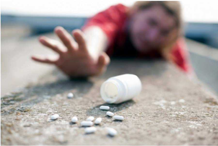 ano ang drug adiksyon Addiction is an often chronic disease that affects the structure & function of the brain what is the difference between drug or alcohol abuse and addiction there is a range in the severity of substance problems: from mild to moderate to severe.